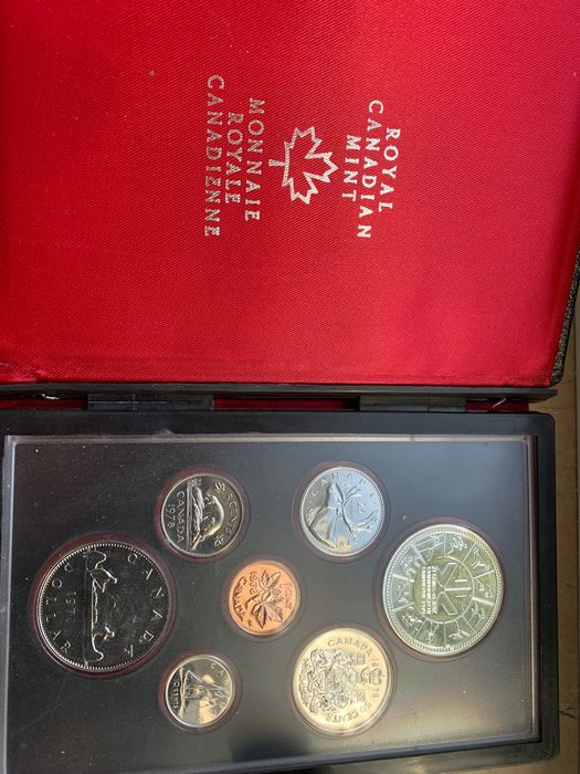 Canada - Dollars 1976 + 1977 + 1980 + 2 Dollars 1996 and Coinset 1978 (5 items)