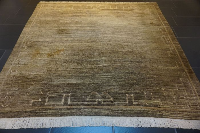 Tibet Art Deco - Carpet - 255 cm - 240 cm