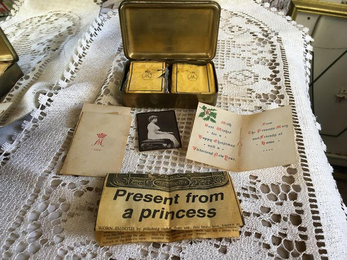 Cigarette case - Complete collection of 9