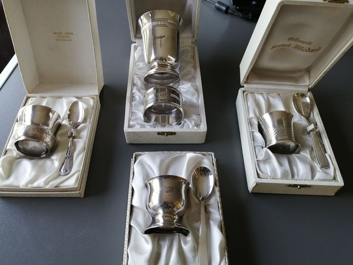 Lot 4 boxes of baptismal egg cups, spoons and silver cup (4) - Art Deco - Silverplate