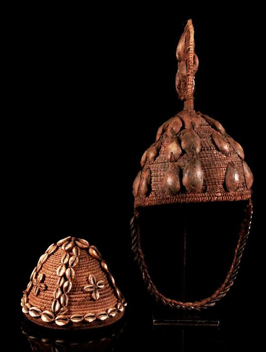 Headdress (2) - Shells - Hut - Lega - Congo