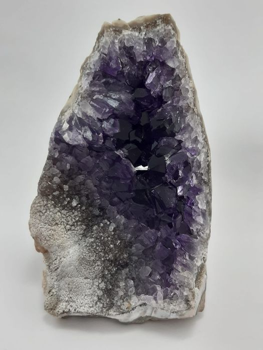 Amethyst (purple variety of quartz) Crystals on matrix - 13×9×13 cm - 948 g - (1)