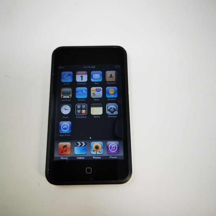 Apple Ipod Touch First Generation -8GB - Ipod - Without original box