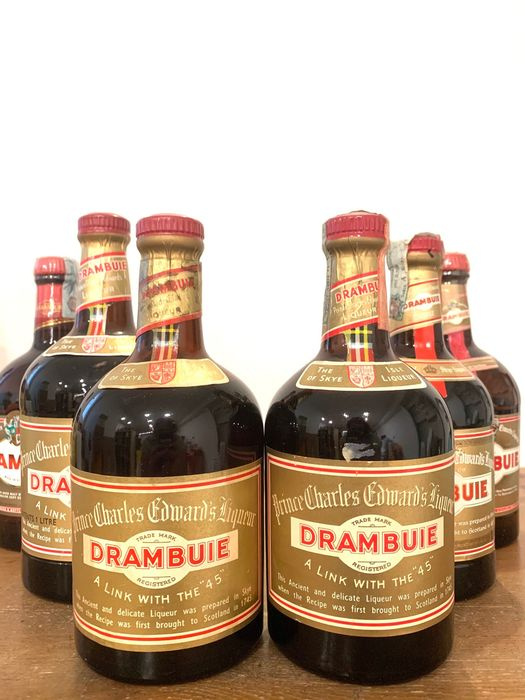 Drambuie - Prince Charles Edward's Liqueur - b. 1970s to 2000s - 1.0 Litre, 70cl - 6 bottles