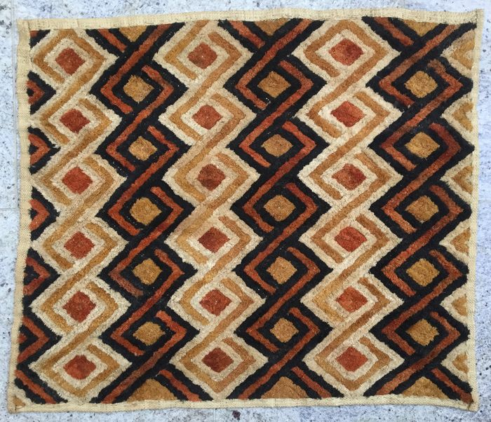 Shoowa, textile (1) - Raphia - Velours de Kasaï - Kuba - Democratic Republic of Congo