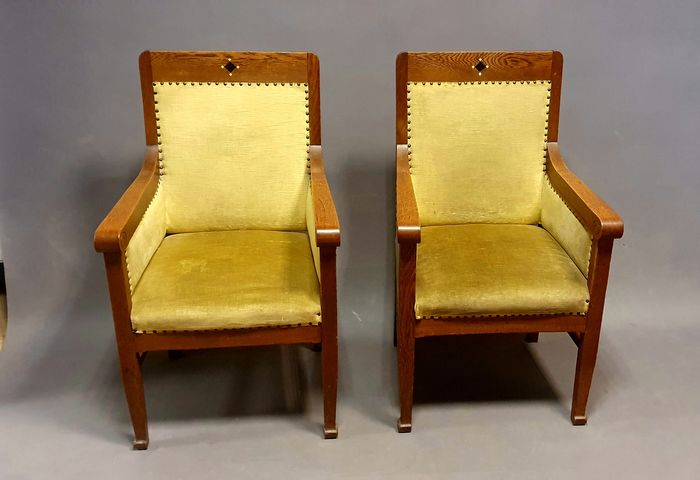 Set of 6 New Art chairs: 4 dining room and 2 armchairs