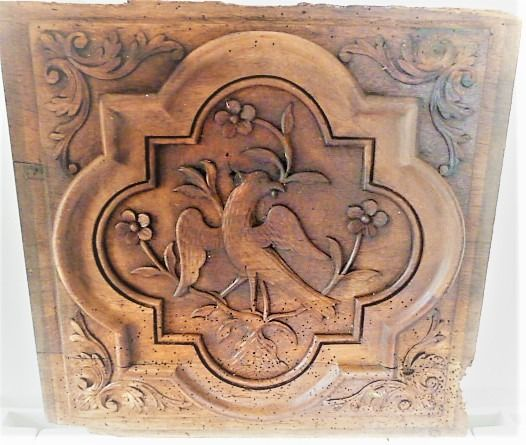 panel with a pigeon, from a Sacristy cabinet - Louis XIV - Walnut - Mid 18th century