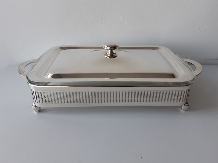 Beautiful baking dish in a Silver serving dish with lid Italy - period (1) - Silver Plate - oven-resistant glass
