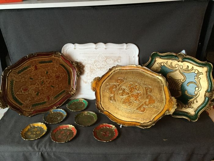 Beautiful set of Venetian set of 4 different trays and 6 matching coasters - marked - Wood