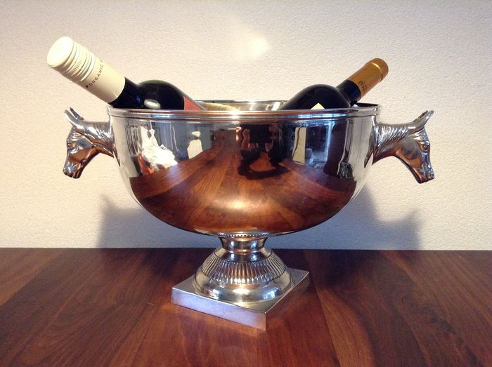 Beautiful large silver-plated champagne / wine cooler with 2 horse heads. (1) - Silverplate