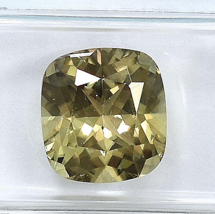 Color Changing - Diaspore - 5.11 ct