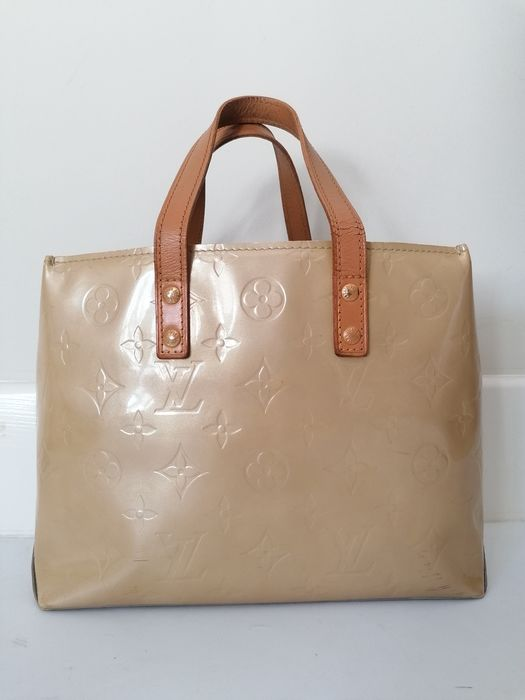 Louis Vuitton - Reade Handbag