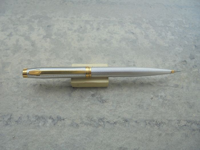 Elysee - Mechanical pencil - Elysee Vogue mechanical pencil is silver and plaque