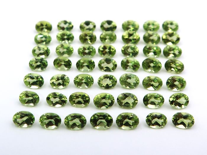 49 pcs  Peridot - 9.95 ct