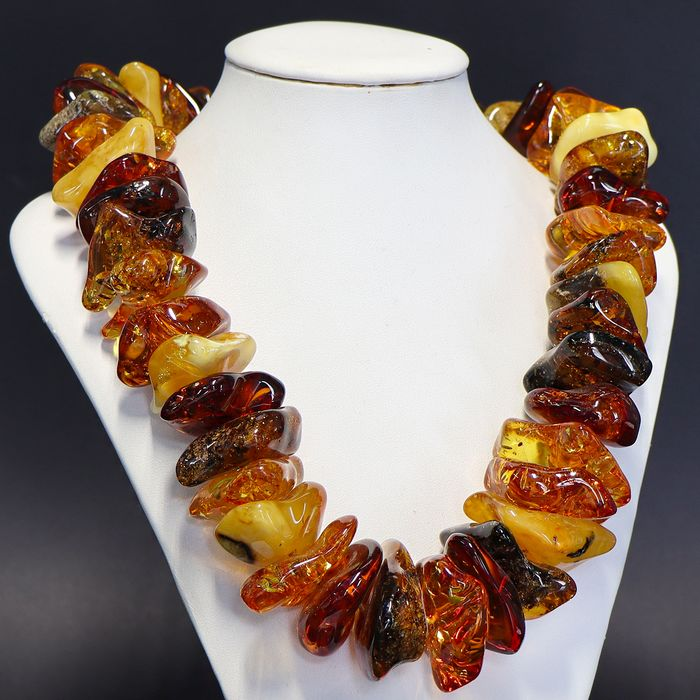 Beautiful necklace in natural amber fossil - 520×40×30 mm - 193 g
