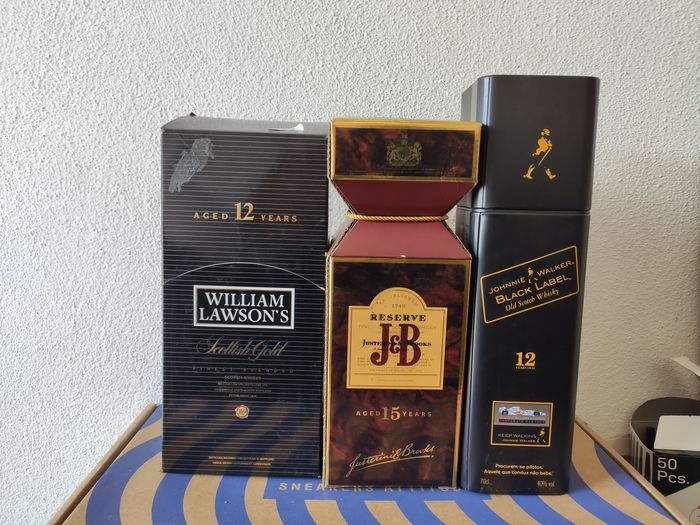 William Lawson's 12 years old, J&B 15 years old & Johnnie Walker Black Label 12 yeares old - 750ml - 3 bottles