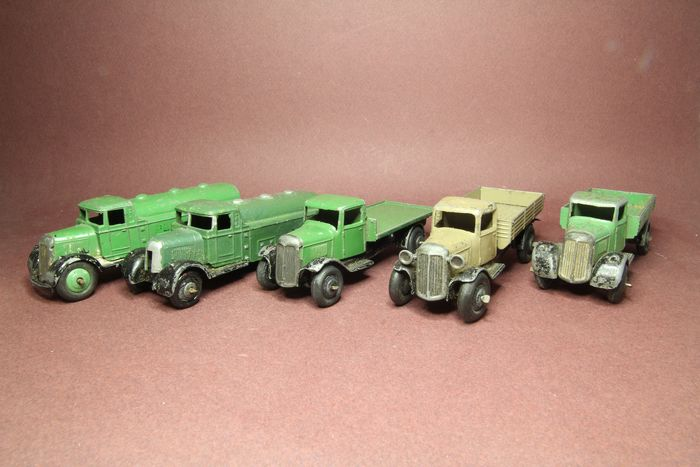 Dinky Toys - 1:43 - Dinky Toys lot of trucks