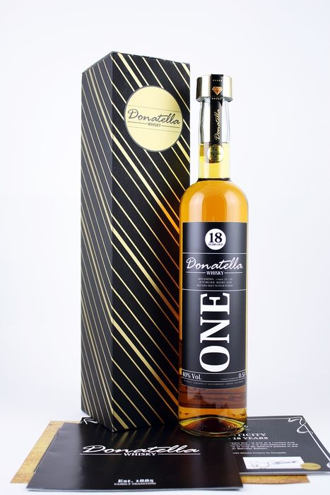 Donatella Whisky 18 years old Cask 18 Pop Arts Edition (one of 60 bottles) - 500ml