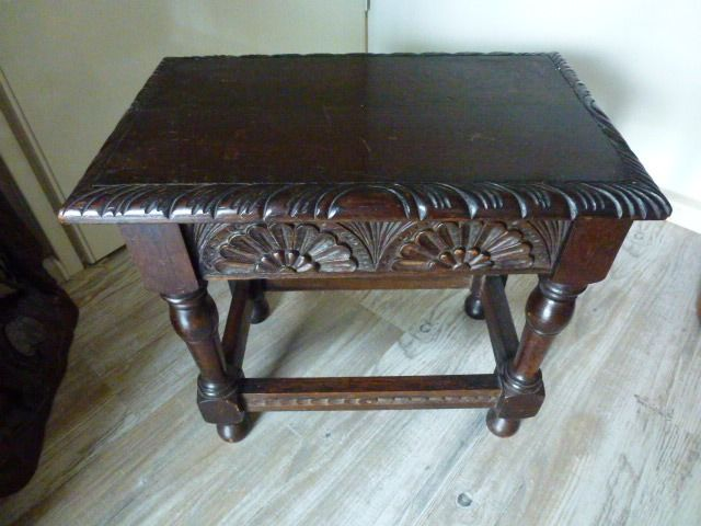 Side table with floral motif - H 41.5 × 28 × 45 cm