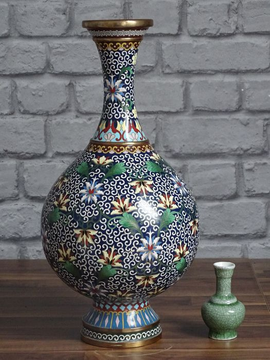 Vase - Cloisonne enamel - Large 40 cm - China - Second half 20th century