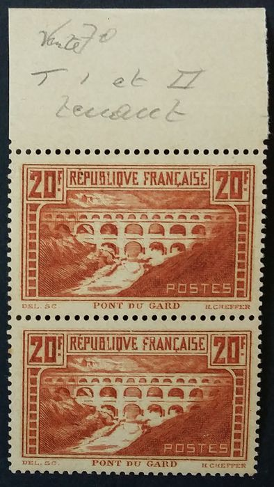 """Frankreich 1929/31 - Pont du Gard, the 2 vertical se-tenant types with the """"Rivière blanche"""" (white river) variety - Yvert 262f"""