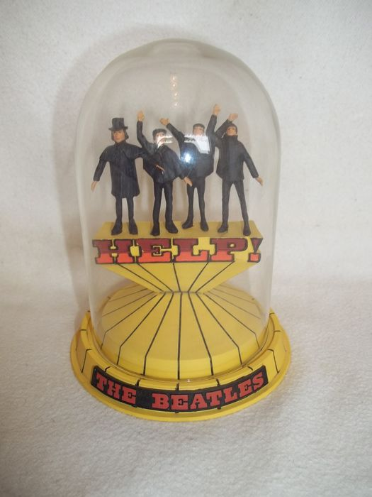 """Franklin Mint - Apple Corps Ltd - The Beatles - """"Help"""" Sculpture with glass dome - With C.O.A. - Very good condition. - 1996/1996"""