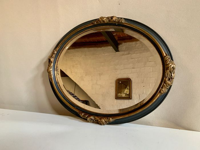Wall mirror, Oval - Faceted mirror with gold garlands - Régence Style