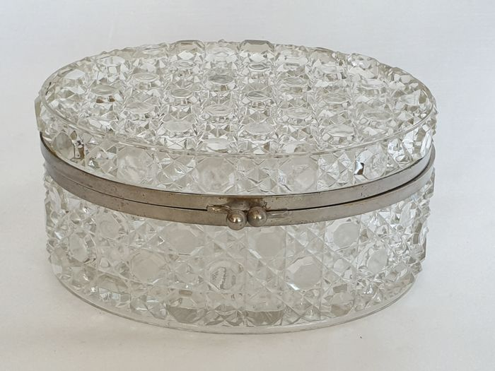 Baccarat - Box, oval, marked - Pressed glass / Metal
