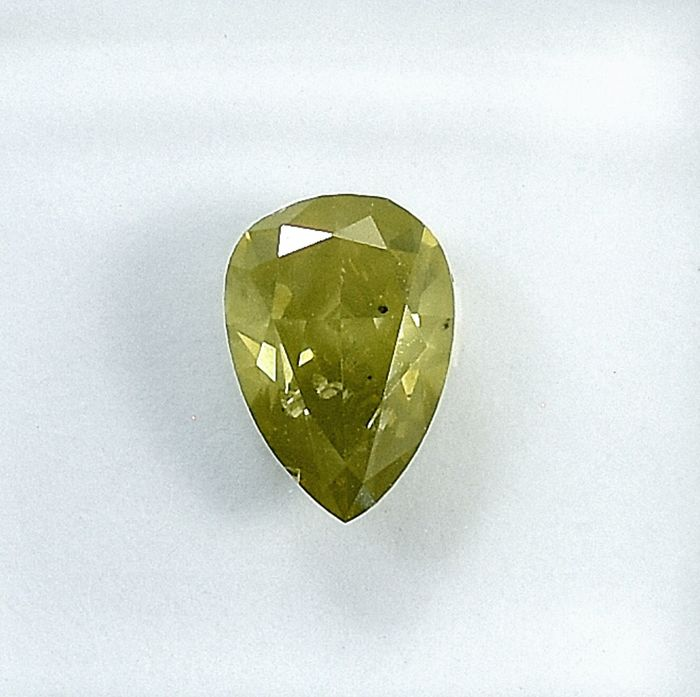 Diamante - 0.72 ct - Pera - Natural Fancy Greenish Yellow - I1 - NO RESERVE PRICE