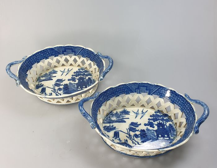 A pair of pierced Willow baskets and trays  - Creamware, pearlware