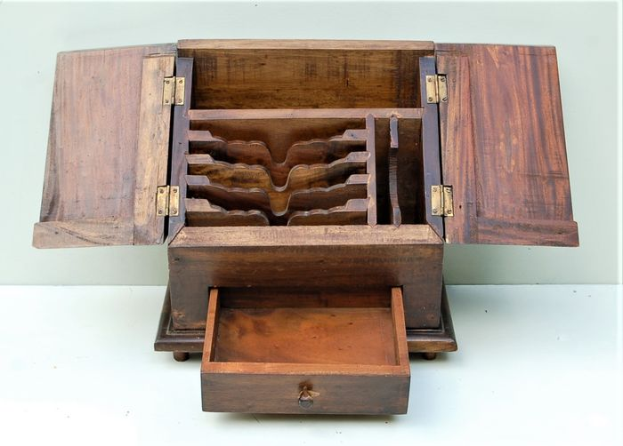 Letter cabinet / notary box