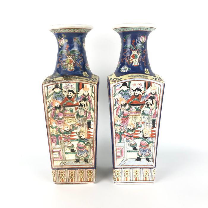 Vase (2) - Pottery - The pair of beautiful flower vases with Officialdom pattern - China - Second half 20th century