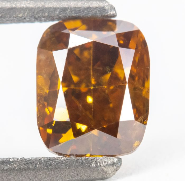 Diamant - 0.51 ct - Natural Fancy Deep Yellowish Orange - I1  *NO RESERVE*