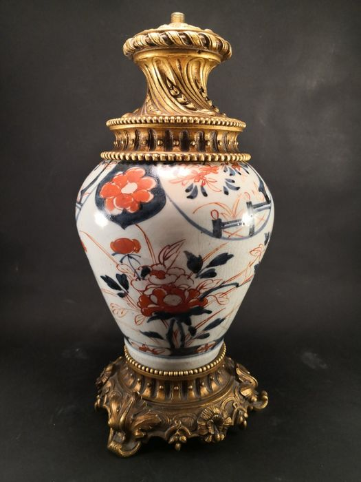 Lamp, A Japanese porcelain vase converted into a lamp