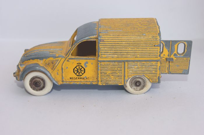 "Dinky Toys France - 1:38 - Original Issue ""Citroen 2CV WEGENWACHT"" no.25D - 1958"