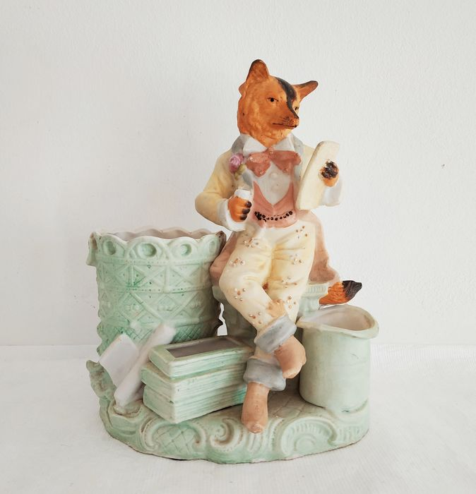 Grafenthal - Fox in costume - Porcelain