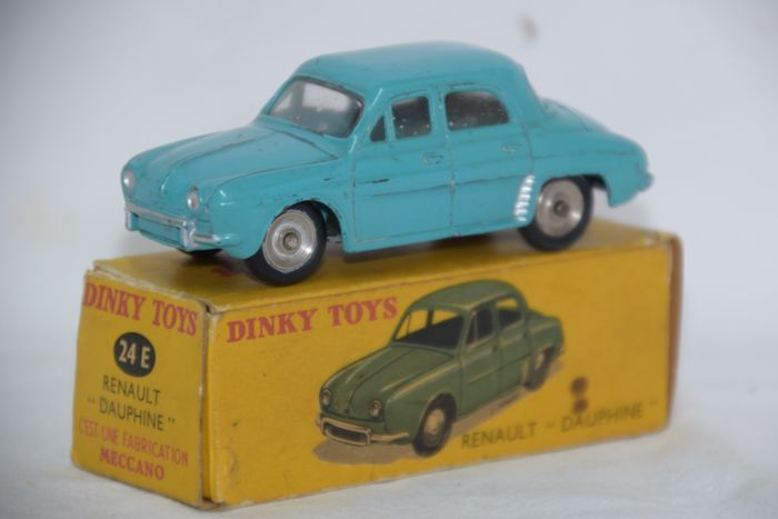 Dinky Toys - 1:43 - Renault Dauphine nr. 24e (Made in France)