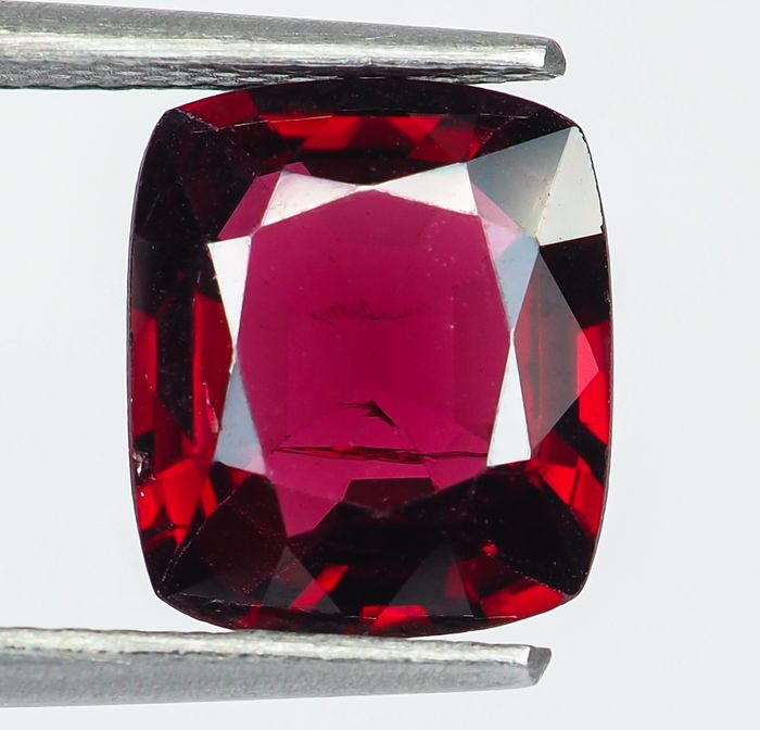 Keine Reserve - Burma - Lebhafter bis intensiver roter Spinell - 2.66 ct
