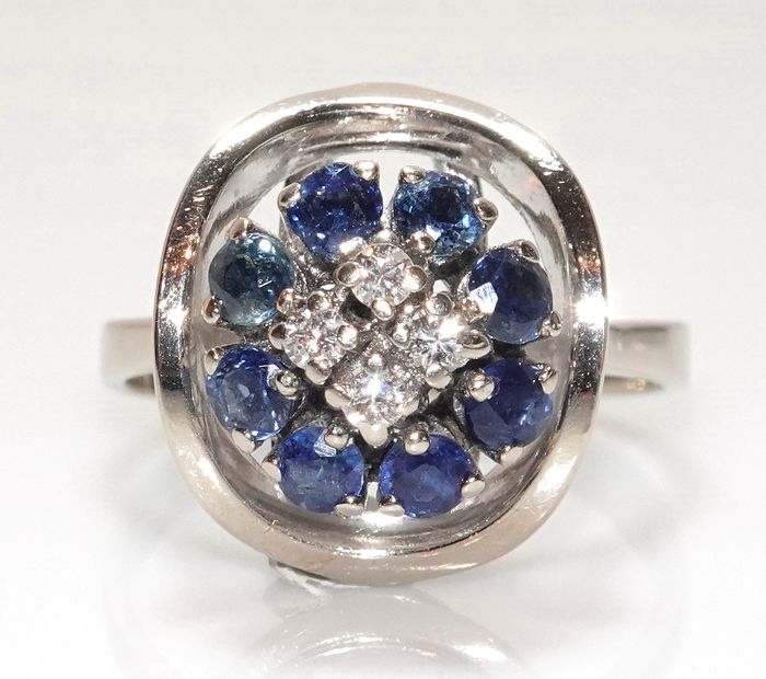 14 kt. White gold - Ring, large size 57 / 18.1 mm - 4 diamonds 0.16 ct. G / SI-VS - 8 sapphires 0.64 ct.