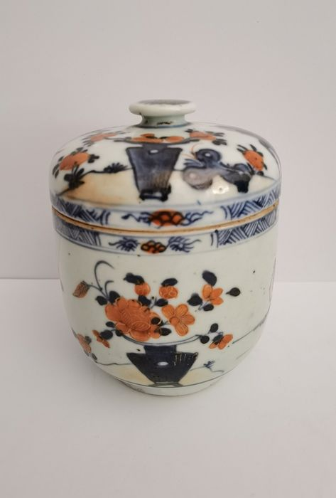 Cover cylinder (1) - Porcelain - China - 18th century