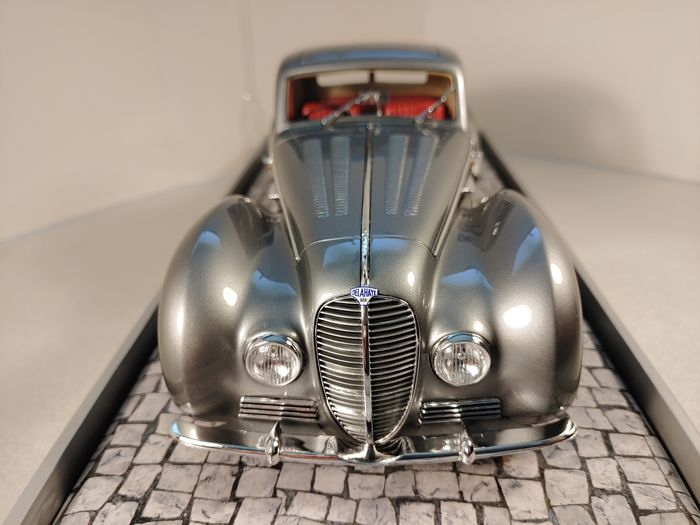 MiniChamps - 1:18 - 1937 Delahaye Type 145 V-12 Coupé by Henry Chapron - Limited Edition, Individually Numbered