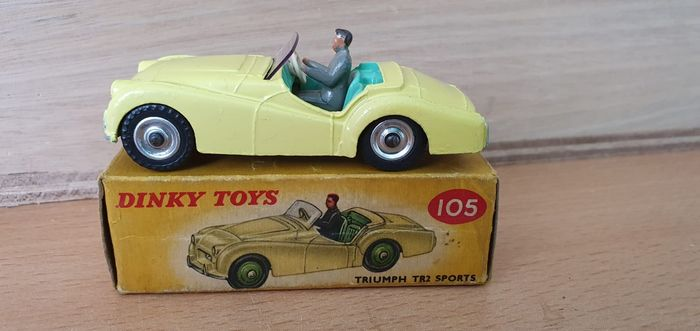 Dinky Toys - 1:43 - Dinky Toys nr. 105 Triumph TR2 Sports - rarer color variation with spun hubs Near-Mint
