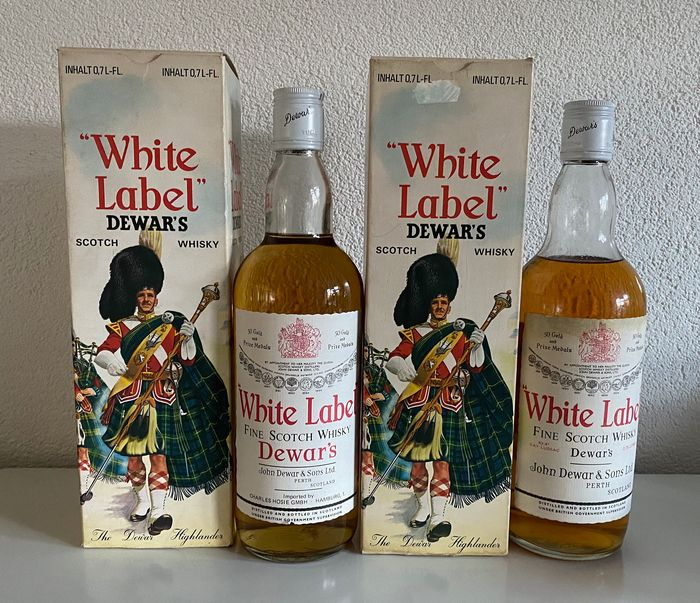 Dewar's White Label - b. 1970s - 70cl - 2 bottles