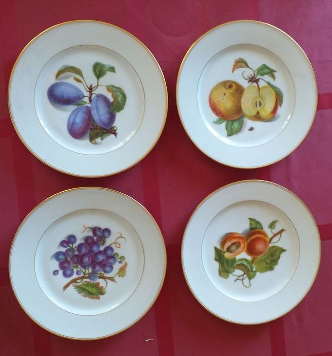 Plates, decorated with painted and enamelled fruits (4) - Porcelain