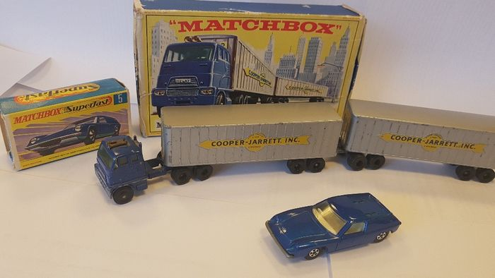 Matchbox - 1:87 - Lotus Europa Superfast nr 5 en Interstate Double Freighter nr-M-9