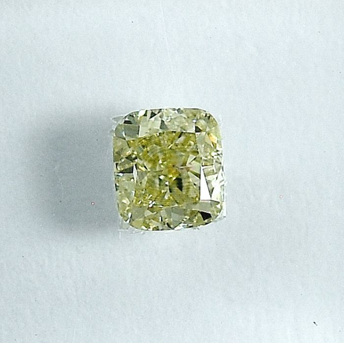 Diamond - 0.38 ct - Cushion - W-X,Light Yellow - Si1 - NO RESERVE PRICE