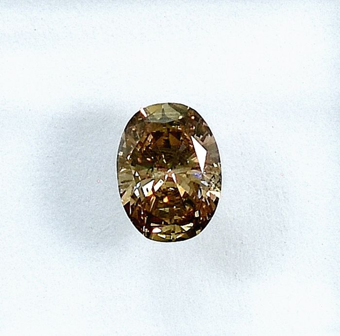 Diamant - 0.52 ct - Oval - Natural Fancy Light Yellowish Brown - I1 - NO RESERVE PRICE