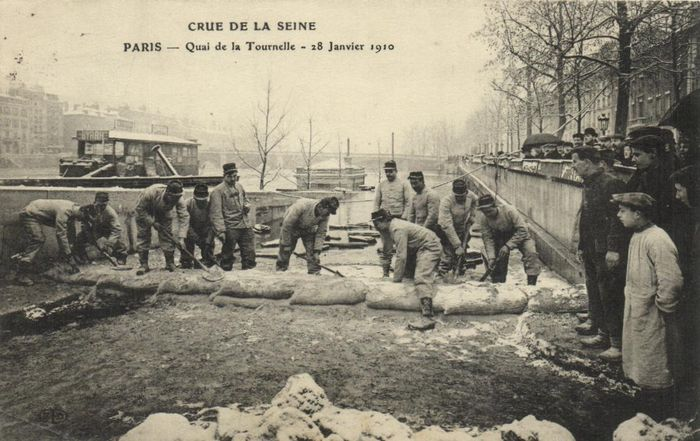 France - Flooding Paris and surroundings 1910- showing lively scenes - Postcards (Collection of 41) - 1910-1910