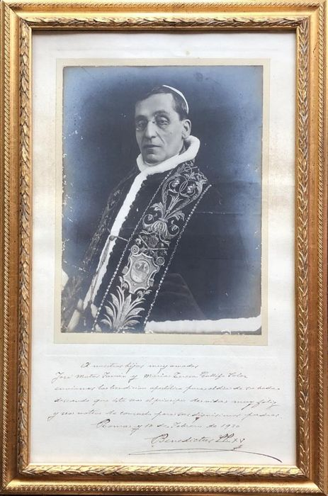Pope Benedictus XV / Giacomo della Chiesa - Autograph; Signed Large Photo with Apostolic Blessing from Rome - 1920