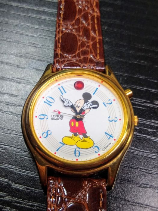 """Walt Disney - Mickey Mouse Musical Wristwatch Singing """"A Small World"""" with Crocodile Calf Leather Band - (1984)"""